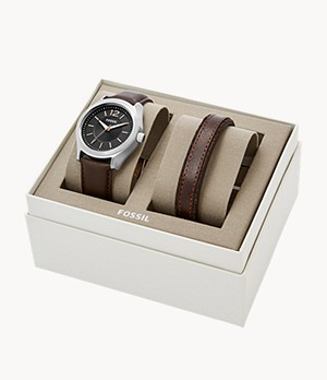 Editor Three-hand Brown Leather Watch And Bracelet Gift Set