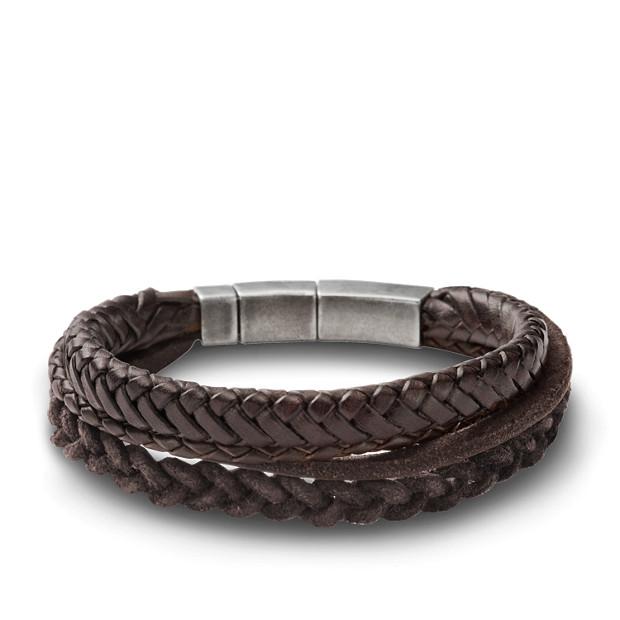 Bracelet composé de lannières brunes en cuir tressé