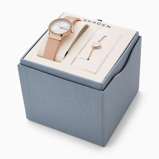 Freja Two-Hand Pink Leather Watch + Bracelet Box Set